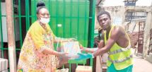 Douala Central prison : Minors Rejoice Over Gifts