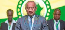 M. Ahmad a été interdit de toute activité liée au football pour cinq ans, pour des faits de mauvaise gouvernance notamment. L'intérim sera assuré par Constant Omari, premier vice-président.
