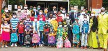 Rentrée scolaire :   des dons pour les orphelins d'Eséka