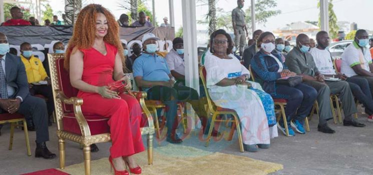 Grand prix cycliste Chantal Biya : First Lady Encourages Cyclists