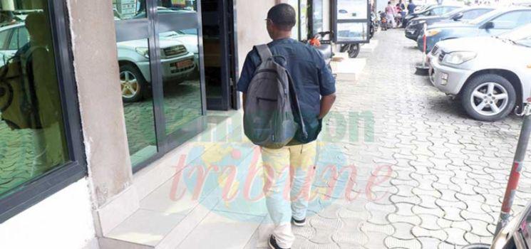 Public Places : Governor Prohibits Bags