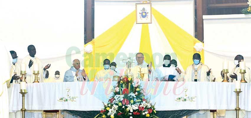 Messe pontificale : la volonté de Dieu en priorité