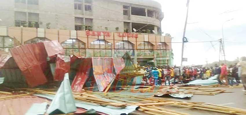 Yaoundé: une chute de toiture fait des blessés