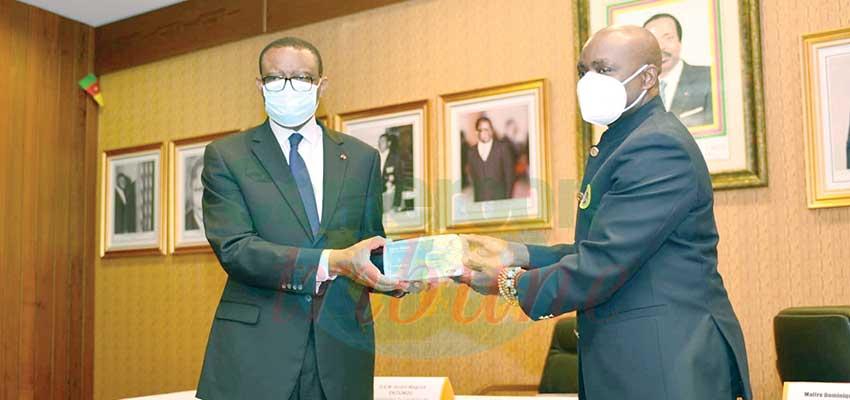 Ambassade du Cameroun en France : 60 000 masques reçus