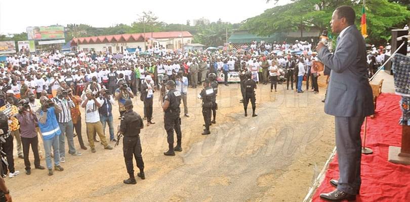 Image : Soutien au candidat Biya: les « bendskineurs » promettent un vote massif