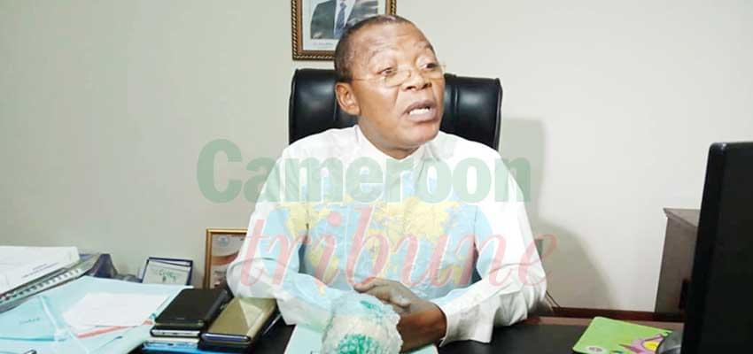 Pr Magloire Ondoa, recteur de l'université de Douala.