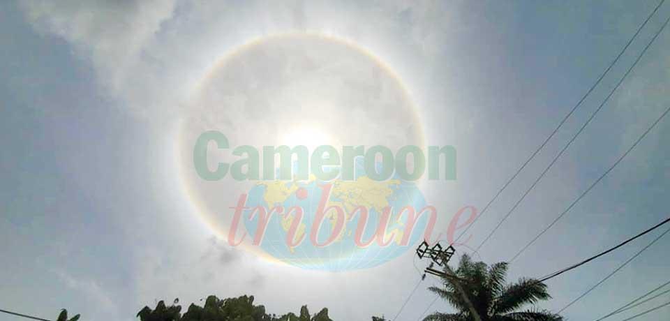 Phénomène météorologique : un halo autour du soleil