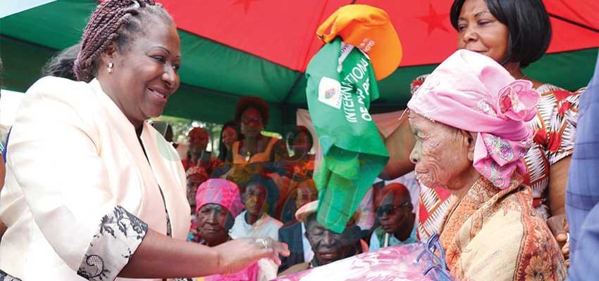 Des personnes âgées doivent s'intégrer dans le processus de croissance.