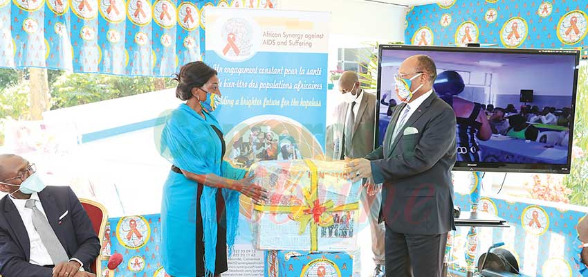 Sensitisation Against AIDS : African Synergy Distributes Tools