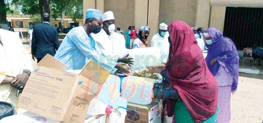 Nord : la première dame offre des kits sanitaires