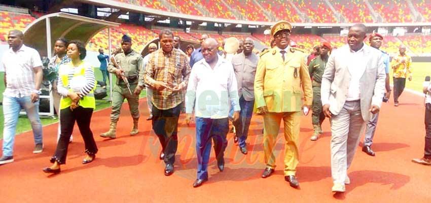 Decouverte : Congolese Minister and Minat at Japoma Stadium