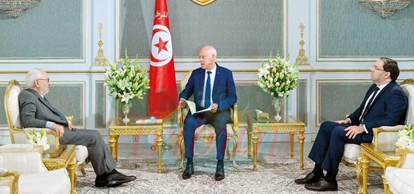 Tunisie : la dissolution du parlement envisagée
