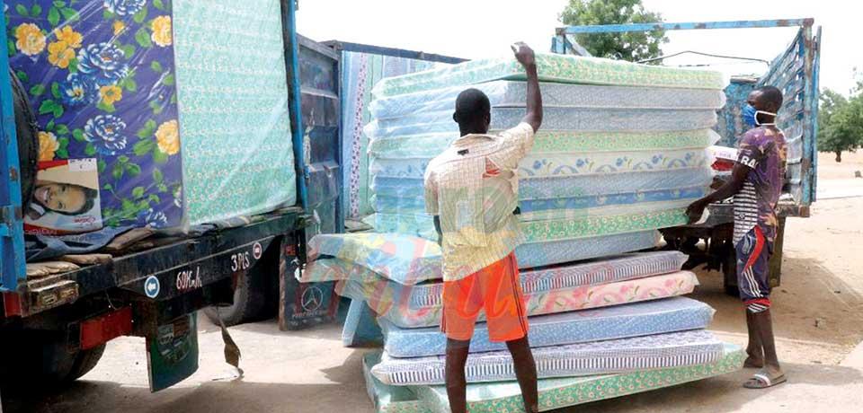 Un aperçu des dons du chef de l'Etat aux ex-réfugiés nigérians.