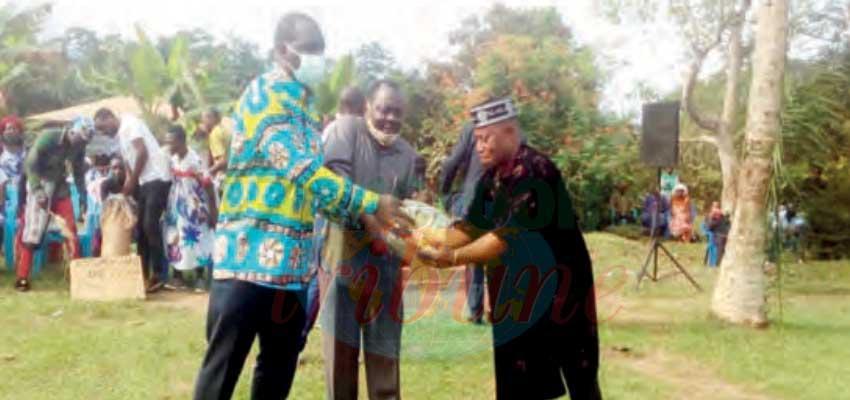 Sud : des dons pour les populations d'Azem