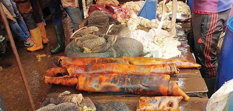 Poumons, rognons, tripes, foie, langue, pattes et autres boyaux se vendent aussi bien que la viande proprement dite.
