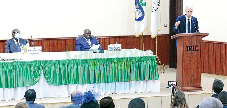 Relations France-Afrique : l'ambassadeur monte au créneau