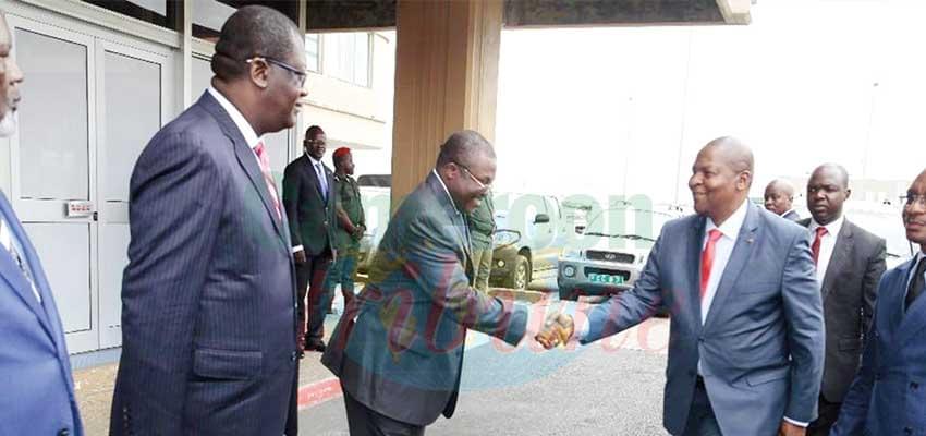 L'hôte du Cameroun a été chaleureusement accueilli à Douala.