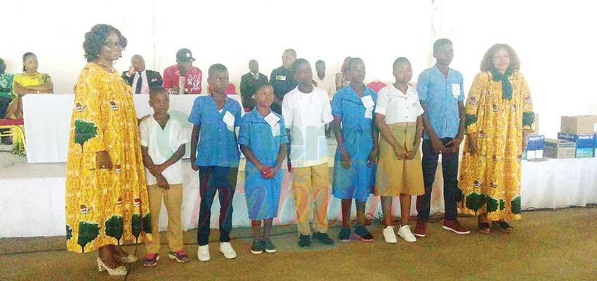 Excellence scolaire : une cinquantaine d'élèves primés à Pouma