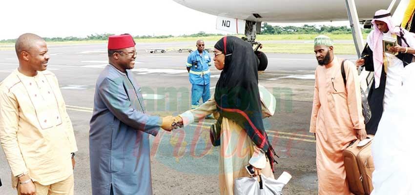- Bon retour au pays pour les fidèles musulmans.