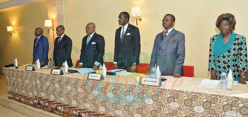 L'élite de la région de l'Est en phase pour le développement.