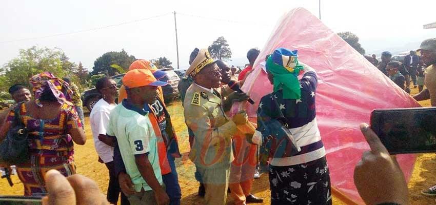 Humanitarian Assistance: Santa Internally Displaced Persons Appreciate Gesture
