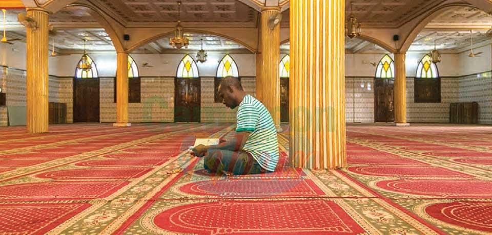 Les mesures barrières devront être respectées même dans les mosquées.