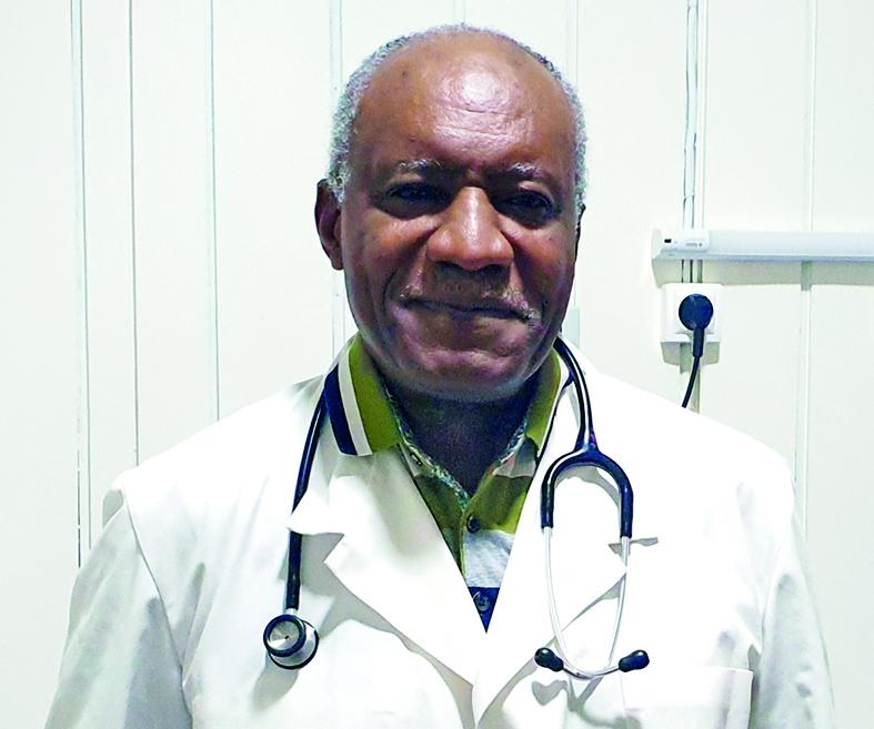 Pr Tetanye Ekoe, membre de l'Ordre national des médecins du Cameroun.