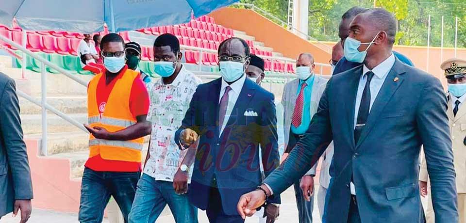 Le ministre Narcisse Mouelle Kombi a pu se rendre compte de l'évolution des travaux sur les infrastructures sportives et hôtelières vendredi et samedi dans la région du Nord.