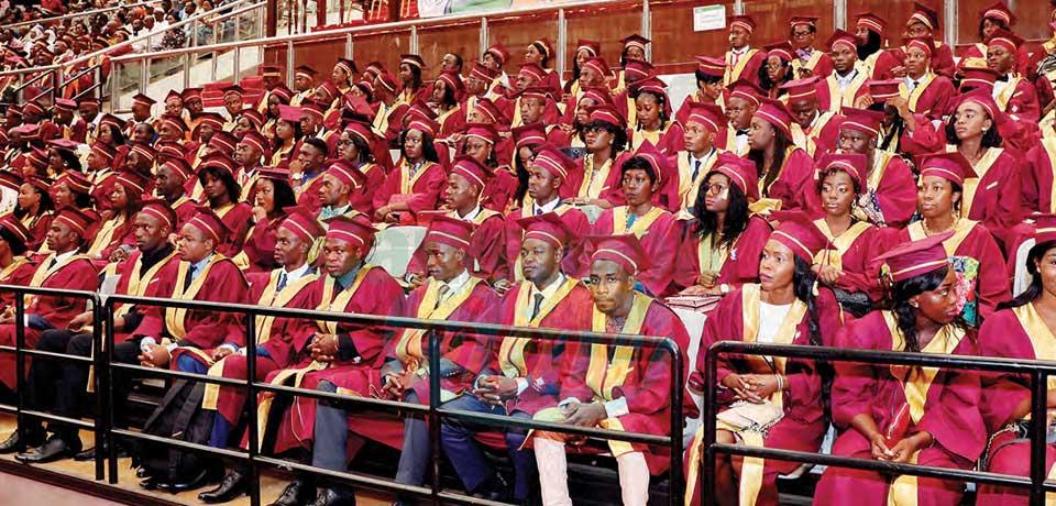 Enseignement supérieur : diplômés cherchent diplômes
