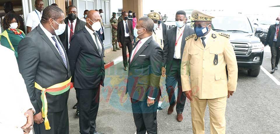 Le Premier ministre présent aux obsèques du Cardinal Christian Tumi