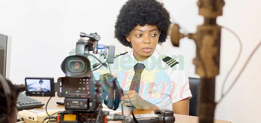 Le nouveau projet du producteur camerounais Jean Roke Patoudem, actuellement en tournage à Yaoundé, s'immisce dans le quotidien mouvementé de la standardiste d'un commissariat.