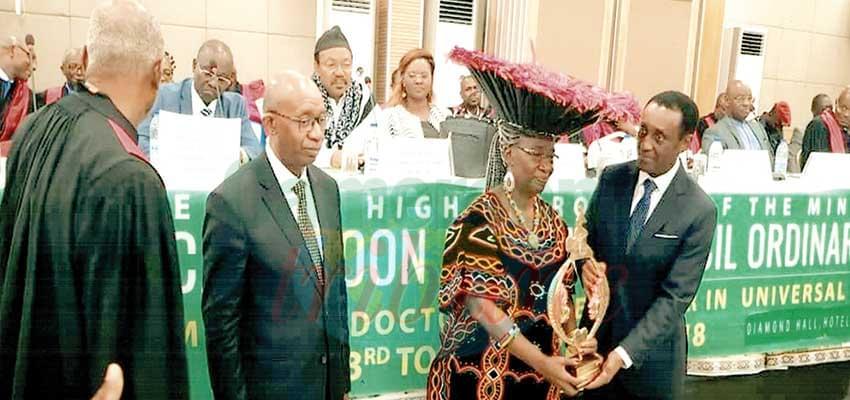 Professor Rose Leke encouraged by medical doctors in Cameroon.