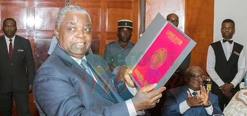Football camerounais : et voici le livre d'or !