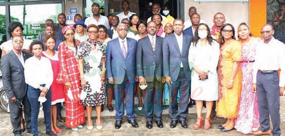 Sopecam Douala : le Mincom en visite