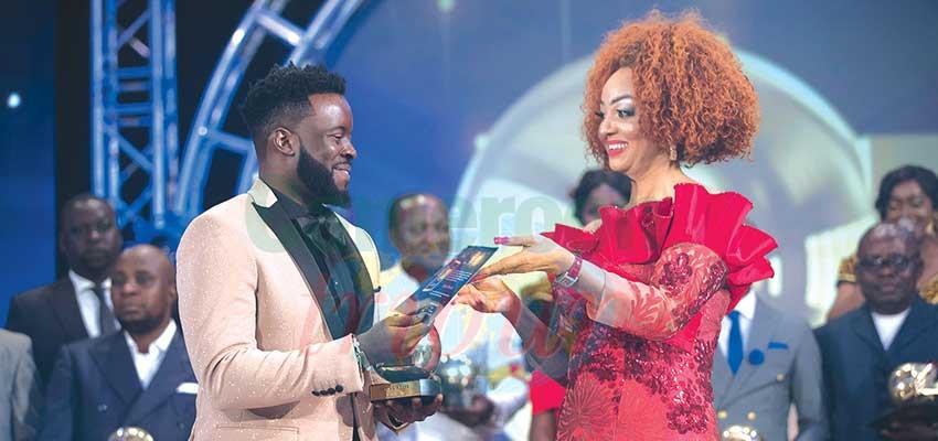 Canal2'OR: Chantal Biya célèbre les artistes