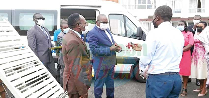 South West : Buea Regional Hospital Receives Medical Equipment