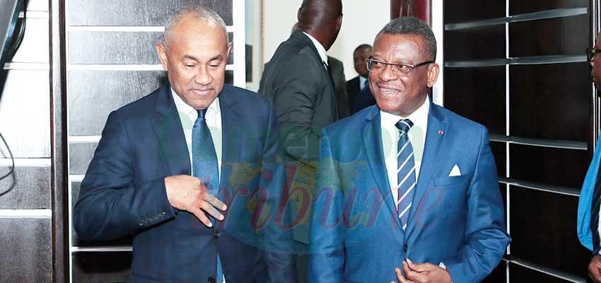 Le Premier ministre, chef du gouvernement et le président de la CAF à la fin de leur entretien.