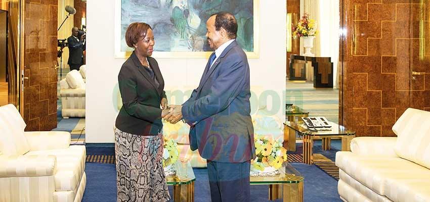 Chaleureux accueil de la secrétaire générale de l'OIF par le président de la République.