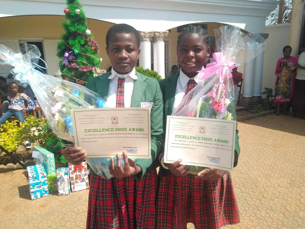 Christmas Tree Celebration : American School Fetes 2019 GCE Outstanding Candidates
