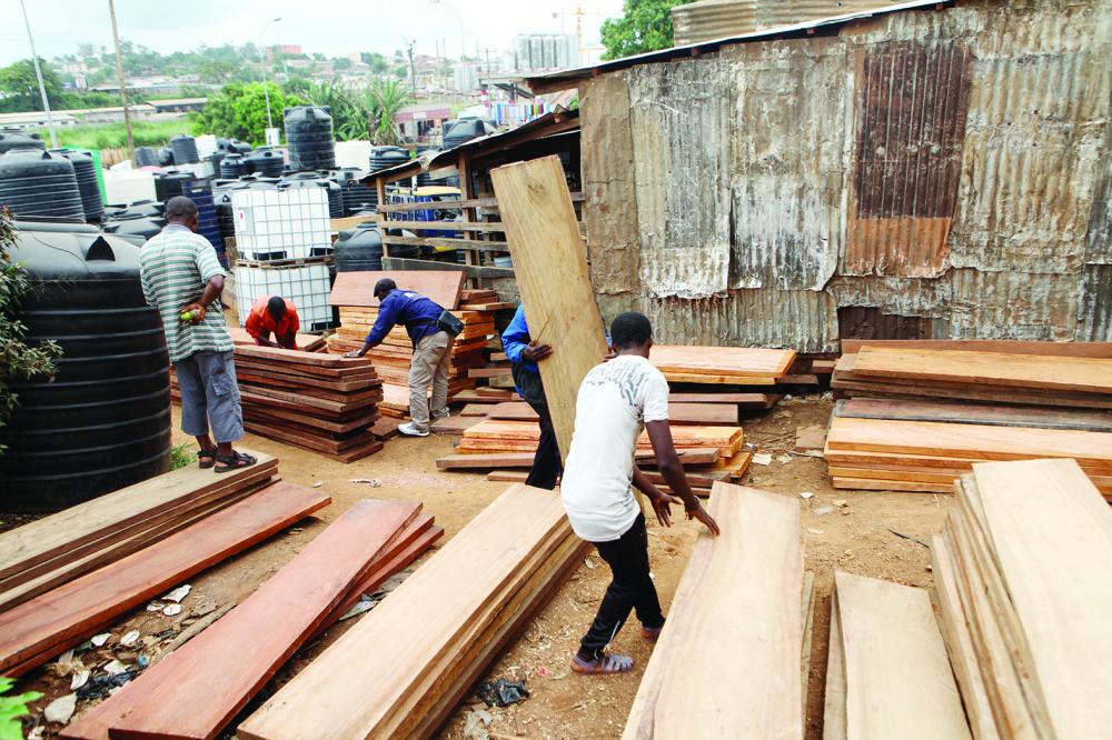 Exécution des marchés publics : priorité au bois légal