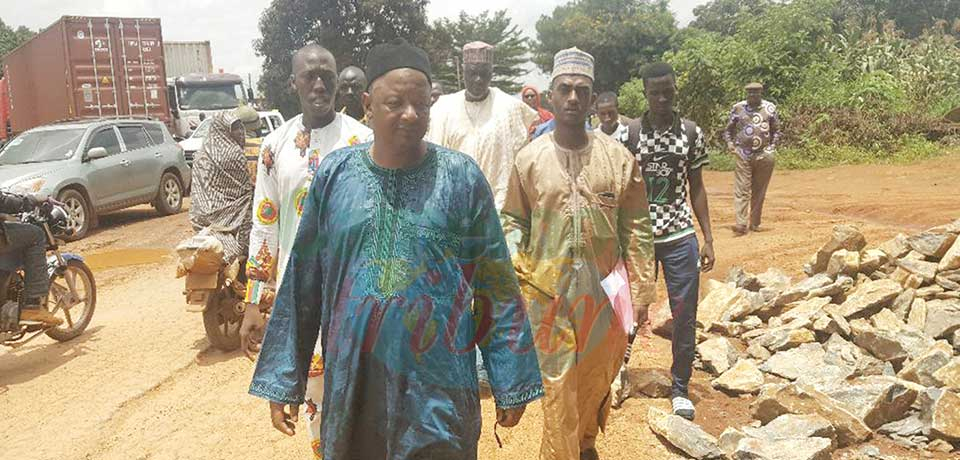 L'honorable Abba Alim, vice-président à l'Assemblée nationale a effectué une descente sur les sites des projets de réhabilitation des voiries urbaines et routes le 7 août dernier.