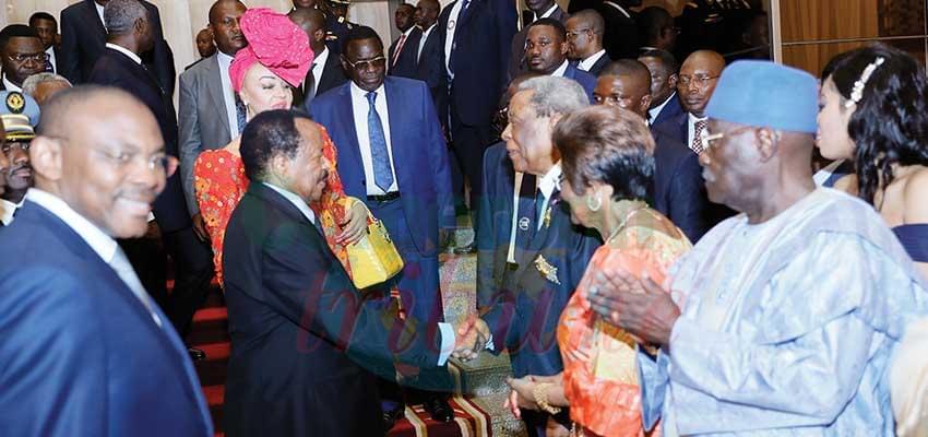 Echanges avec le chef de 'Etat et ses invités.