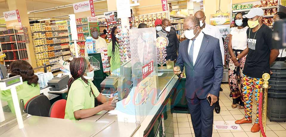 Mesures barrières : les supermarchés s'alignent