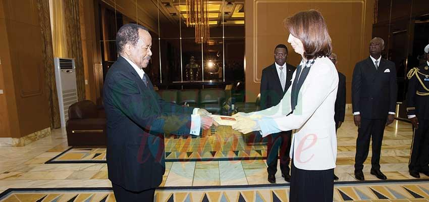Le nouvel ambassadeur remet les lettres de rappel et de créances au chef de l'Etat