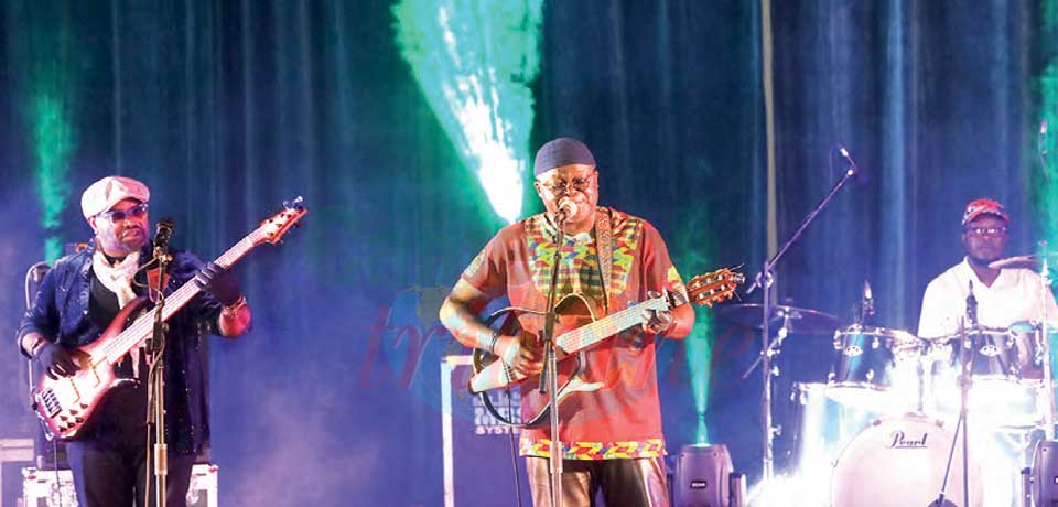 Henri Dikongue : hymne à l'amour