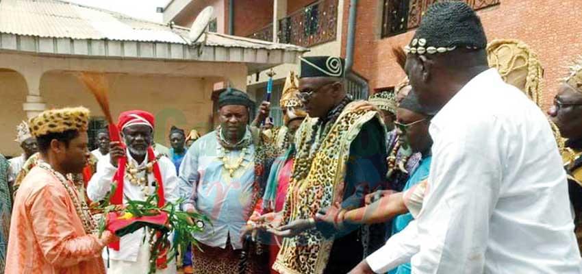 Tous unis pour la paix au Cameroun.