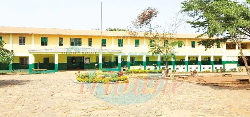 Ecusson du collège de Mazenod : les élèves musulmans exemptés