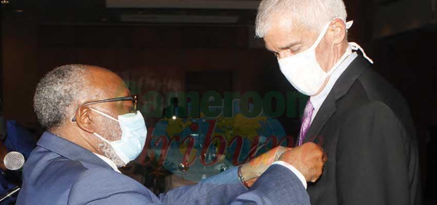 Cameroun-Etats-Unis d'Amérique : la distinction de Grand officier pour Peter Henry Barlerin