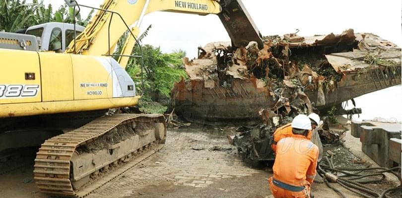 Port de Douala: une dizaine d'épaves retirées du Wouri