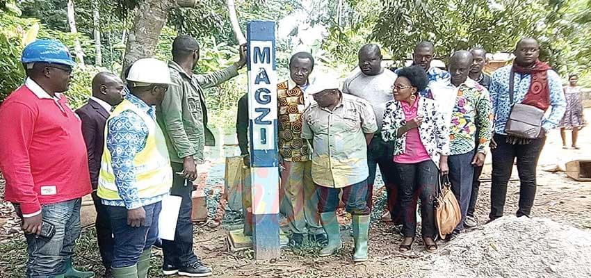 L'équipe de la Magzi, conduite par son directeur général, au cours de sa visite d'évaluation.